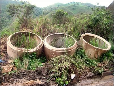 17 - Tuberías de alcantarillado o agua potable ruta E25 Arenillas-Alamor (Ecuador,enero 2013)